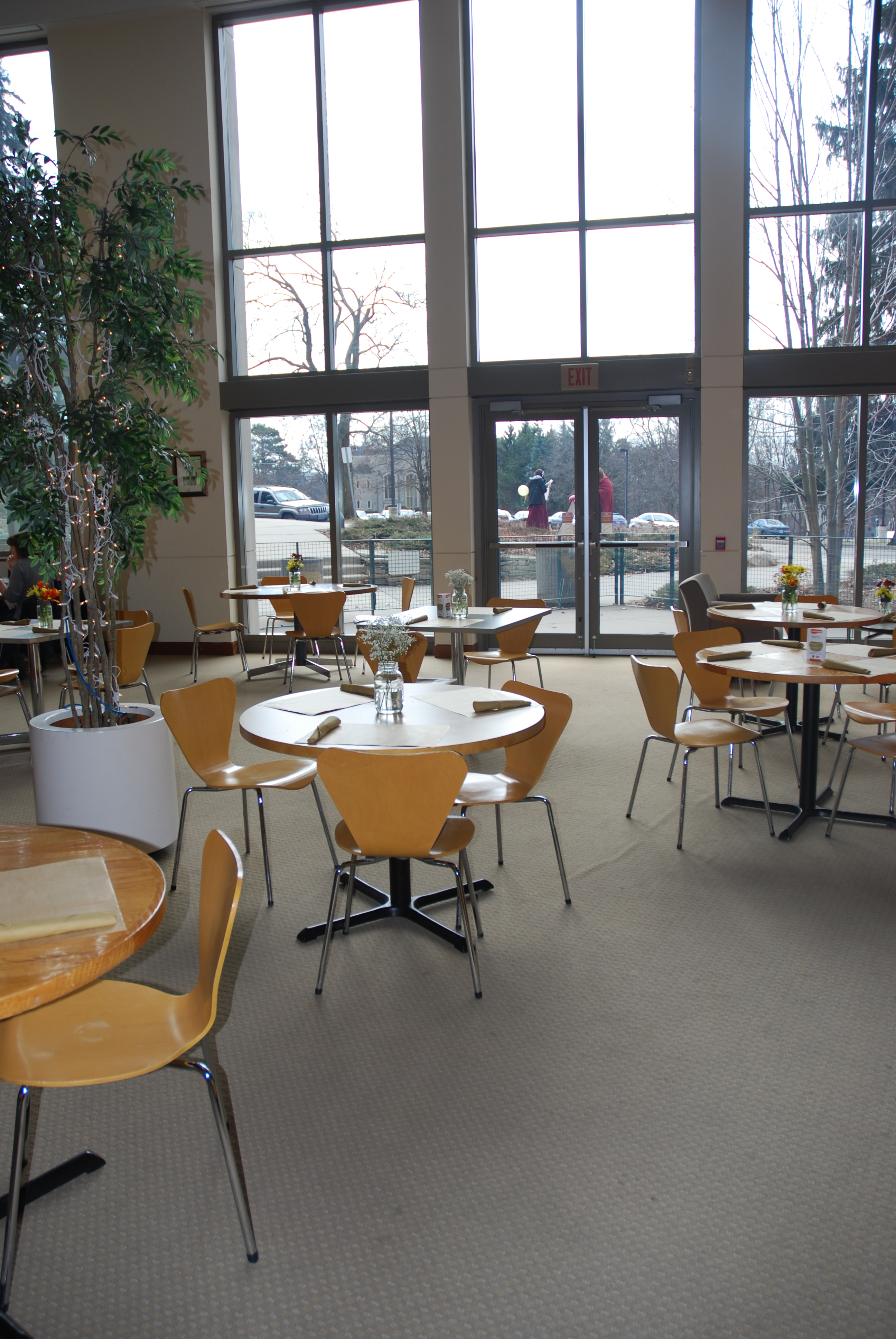 PJs In The Atrium University Of Guelph Sustainable Restaurant Project